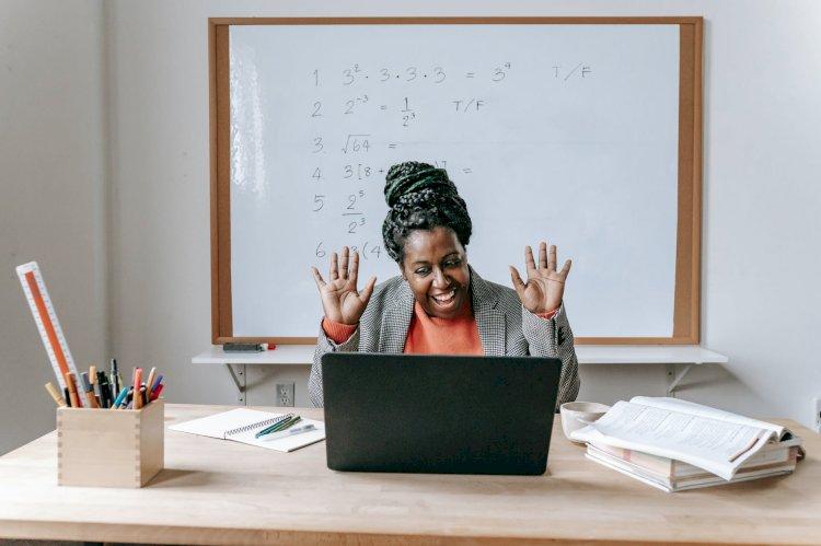 Pengetahuan, Pengalaman Sampai Skill Digital dari Manfaat Berkomunikasi di Internet.