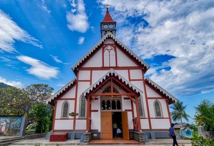 Menanti Kayu untuk Gereja Tua Sikka